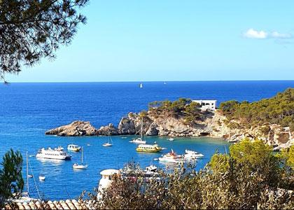 Вид на бухту курорта Пагуэра