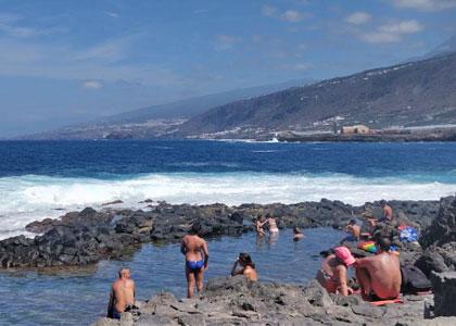 Вид на пляж Чарко-де-ла-Аранья