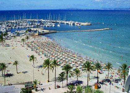 Вид на пляж курорта Эль-Ареналь