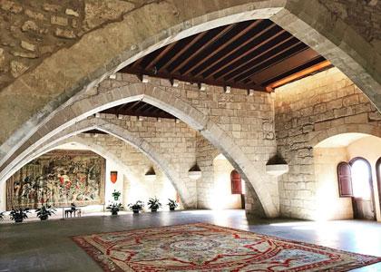 Во дворце Альмудайна