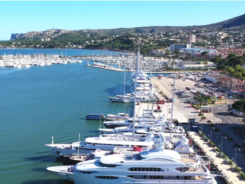 Вид на порт Дении