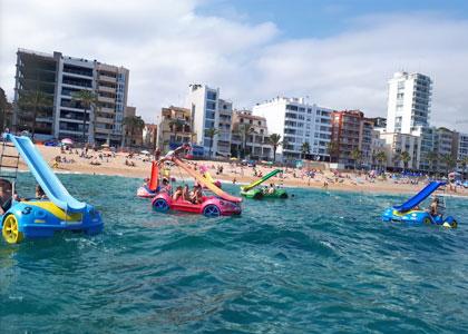 На пляже Lloret de Mar