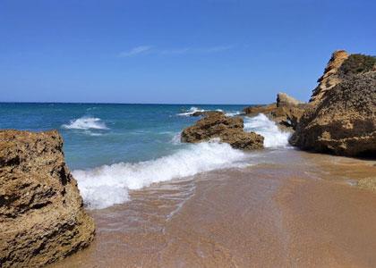 На пляже Мыс Рош