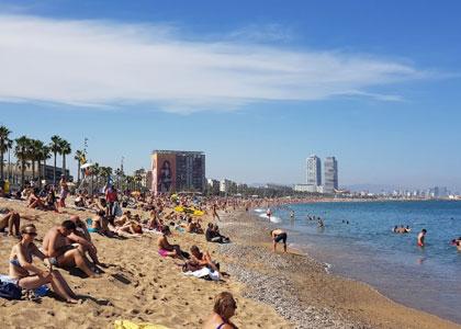 На пляже Сант-Себастиа