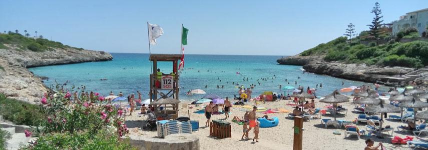 Пляж Кала-Мандия