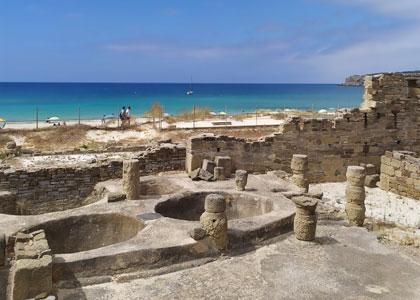 Разрушенные римские поселения около пляжа Болония