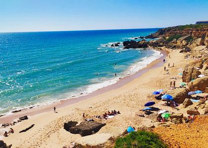 Вид на пляж Мыс Рош