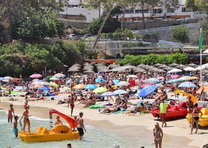 Вид на пляж d'Illetes