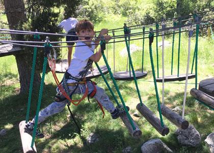 Аттракцион в веревочном парке De Pino a Pino