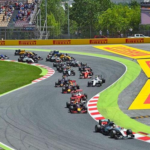 """Автодром """"Барселона-Каталунья"""" (Монмело).  <p> Здесь можно прокатиться за рулем болида и почувствовать себя гонщиком """"Формулы-1""""."""