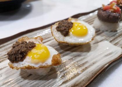Блюдо с яйцом в ресторане Abama Kabuki