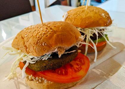 Бургеры в ресторане Burger Mel