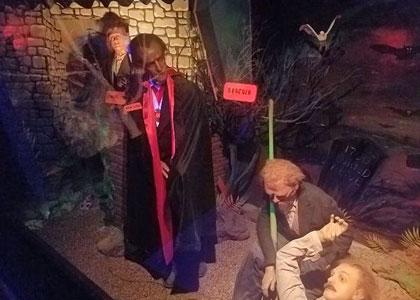 Граф Дракула в музее восковых фигур