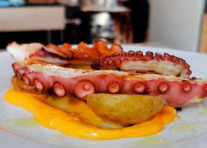 Морепродукты в ресторане La Brasa