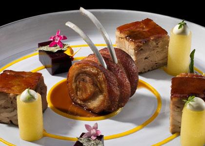 Мясное блюдо в ресторане M.B.
