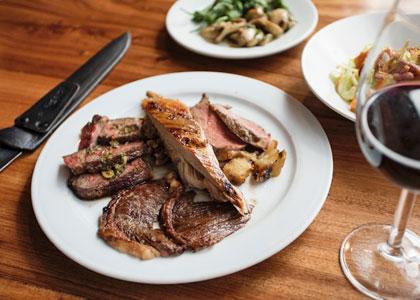 Мясо в ресторане Churrasqueria Rodeo