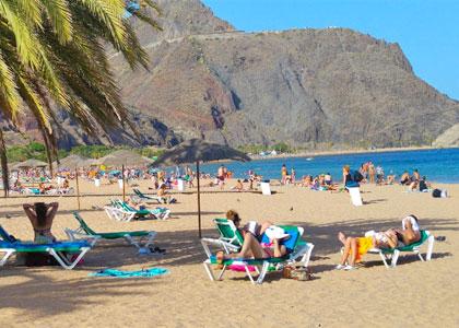 Отдыхающие на пляже Лас-Тереситас