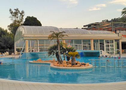 Открытый бассейн в Hotel Balneario de Arteixo