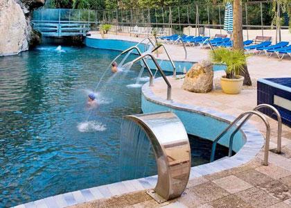 Открытый бассейн в Hotel Balneario De La Virgen