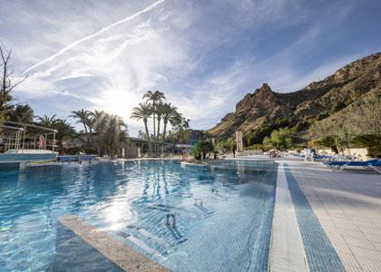 Открытый термальный бассейн в Balneario de Archena