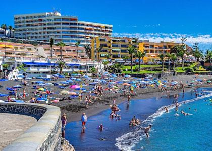 Пляж Плайя де ла Арена рядом с Пуэрто-де-Сантьяго