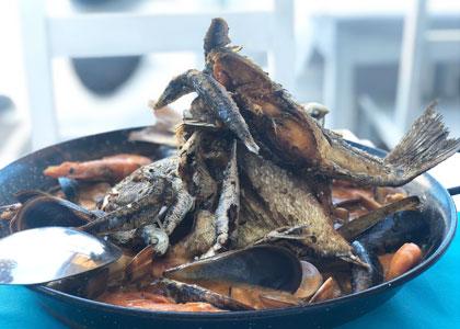 Рыбное ассорти в ресторане La Cueva del Mar