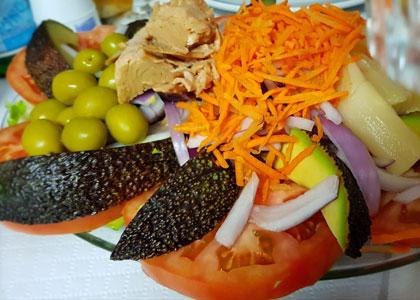Рыбный салат в ресторане La Pimienta