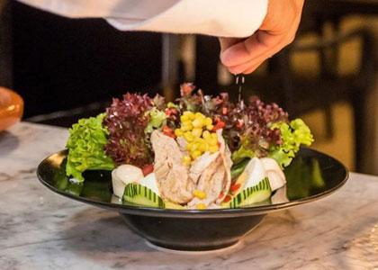Салат в ресторане Etereo by Pedro Nel