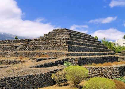 Вид на пирамиды Гуимар