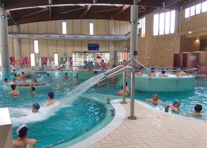 Закрытый бассейн в Hotel Balneario de Arteixo