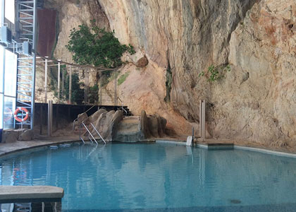 Закрытый бассейн в Hotel Balneario De La Virgen