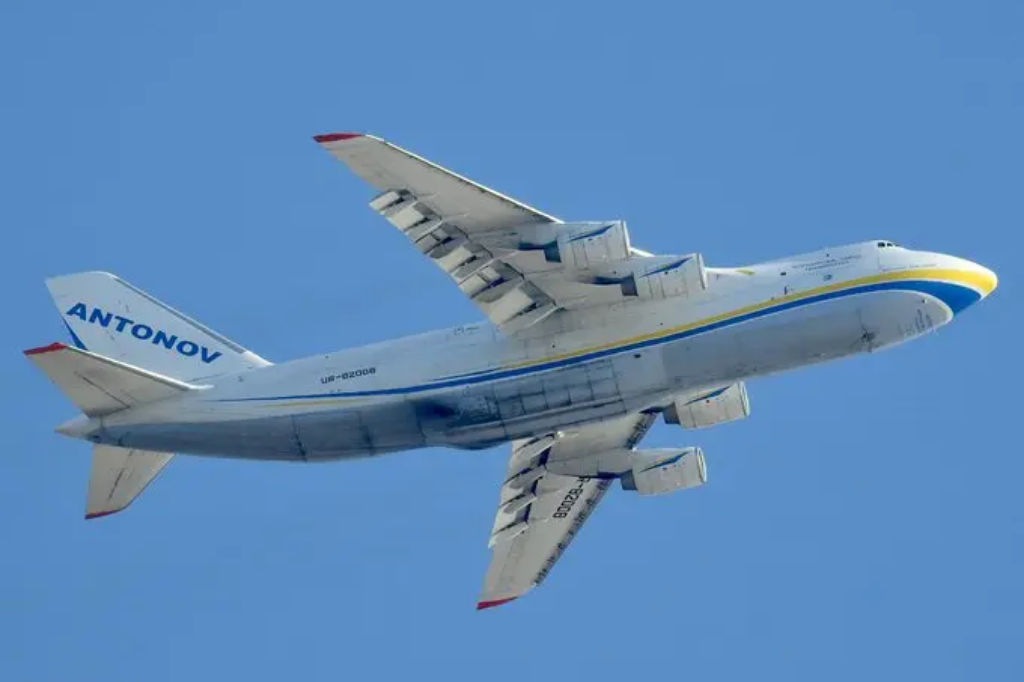 Антонова Ан-124