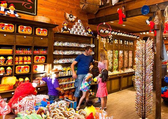 Магазин сувениров в Port Aventura