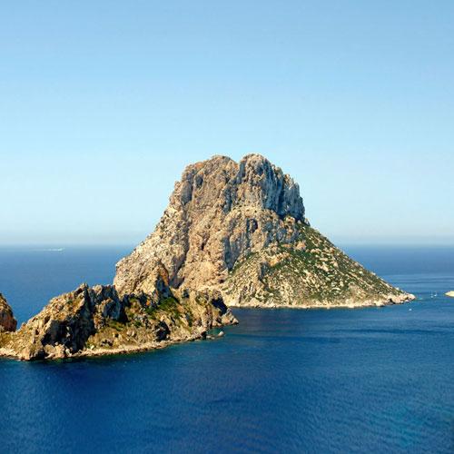 Интересный остров Эс-Ведра, о котором ходит миф, что это аэродром НЛО и верхушка Атлантиды.