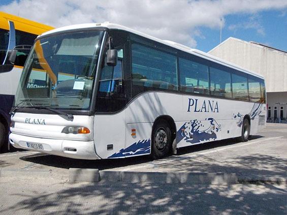 Автобус компании Plana