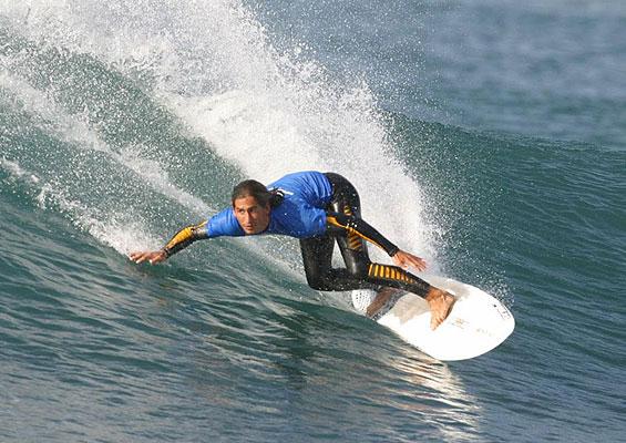 Серфингист на Playa de Las Americas
