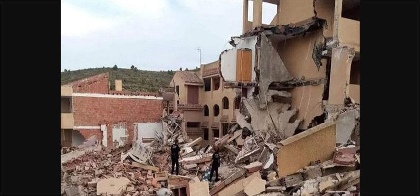 Трехэтажное жилое здание на 20 квартир обрушилось в городе Кастельон Пеньискола