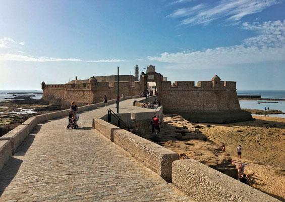 Крепость Сан-Себастьян в Кадисе