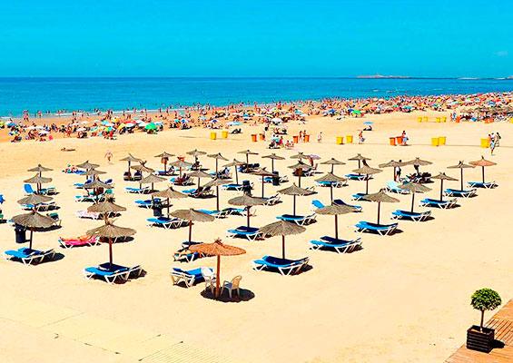 На пляже Ла Виктория