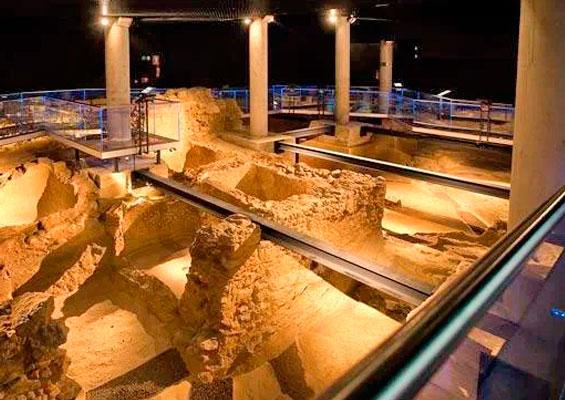 Раскопки в археологическом музее «Гадир»