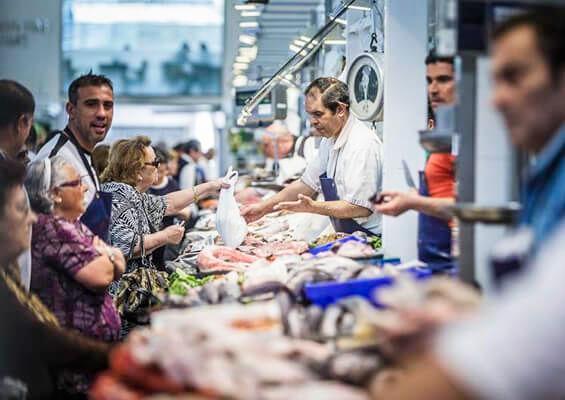 Рыбный ряд на рынке «Абастос»