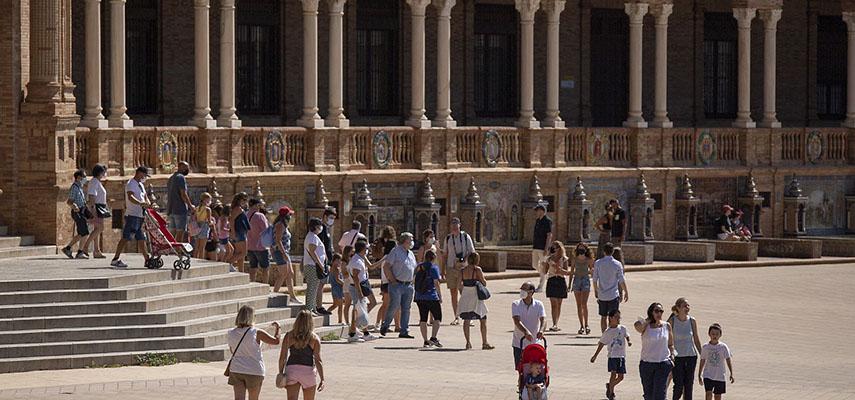 Туристический сектор Испании хочет максимально продлить туристический сезон