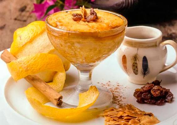 Десерт Франгойо с медом, молоком и изюмом