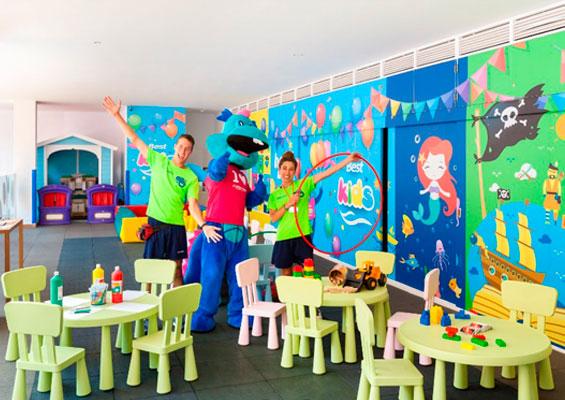 Детский уголок в Hotel Best Jacaranda