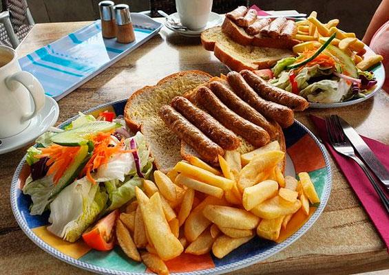 Еда в ресторане Olive Garden Deli