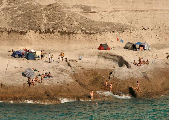 На пляже Диего Эрнандес
