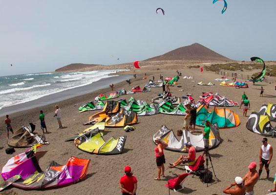 На пляже Эль Медано