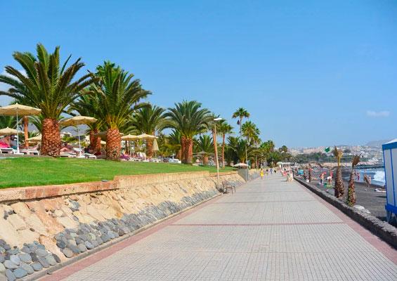 Набережная пляжа Эль Дюке