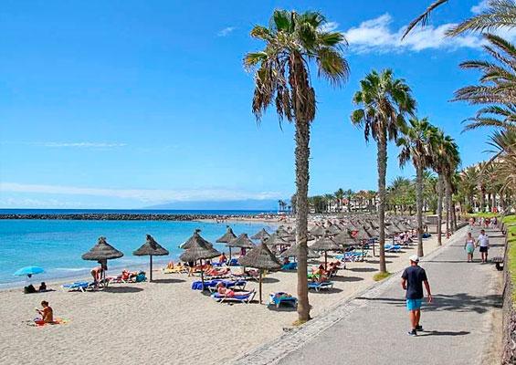 Набережная пляжа Эль Камисон