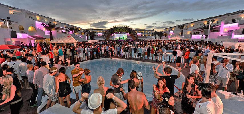 Почти на всей территории Испании ночные клубы остаются закрытыми